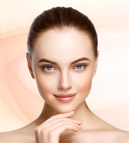 YLS cosmetics model close up look at camera